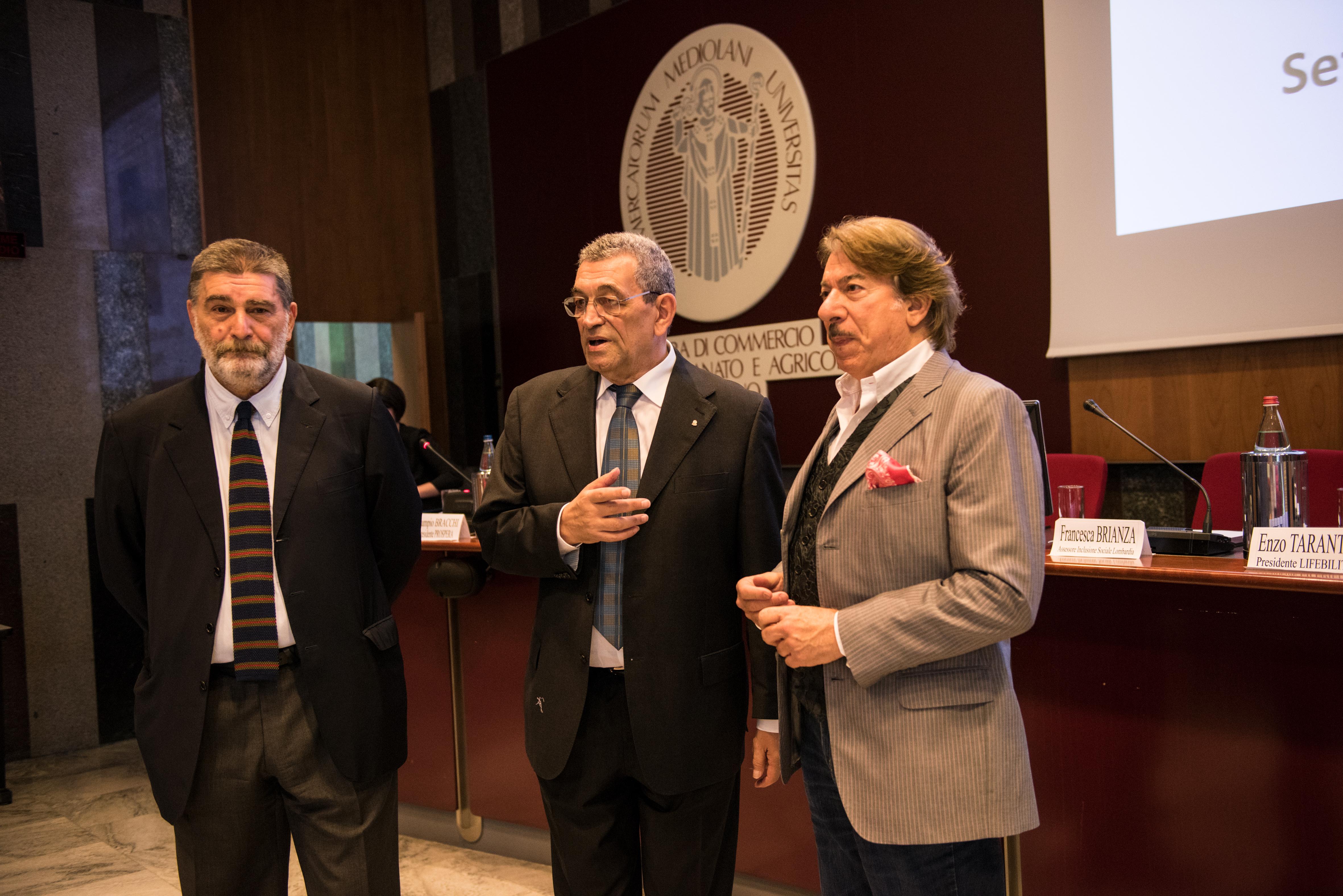 Da sinistra: Massimo Ferlini (Membro Giunta Camera di Commercio Milano), Enzo Taranto (Presidente Associazione Lifebility) e Marco Columbro.
